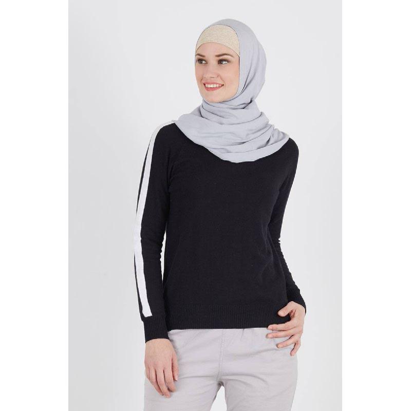Ristra Black Sweater
