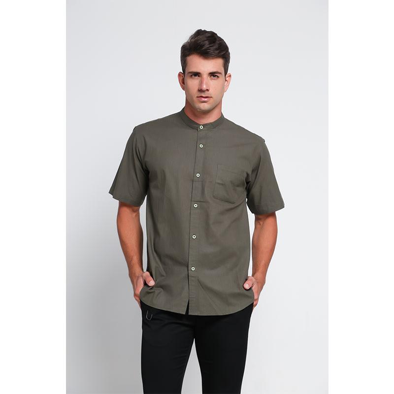 Aitana Baju Pria Slimfit dengan Kerah Mandarin Bahan Katun Lembut