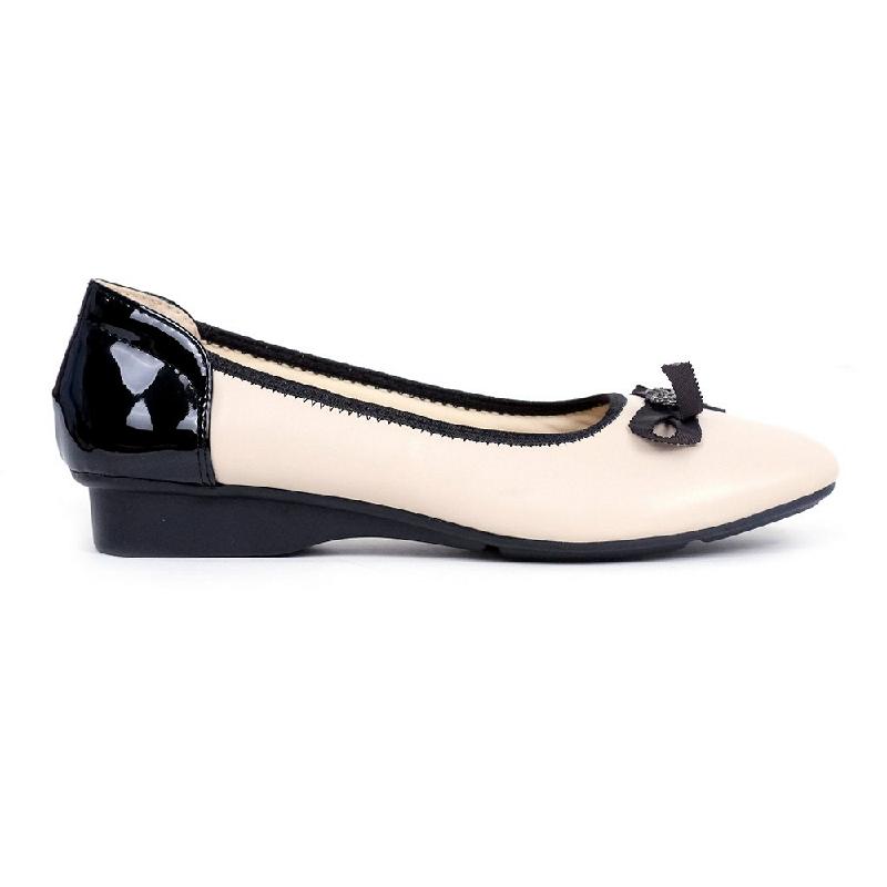 Austin Flat Shoes Kachi Beige