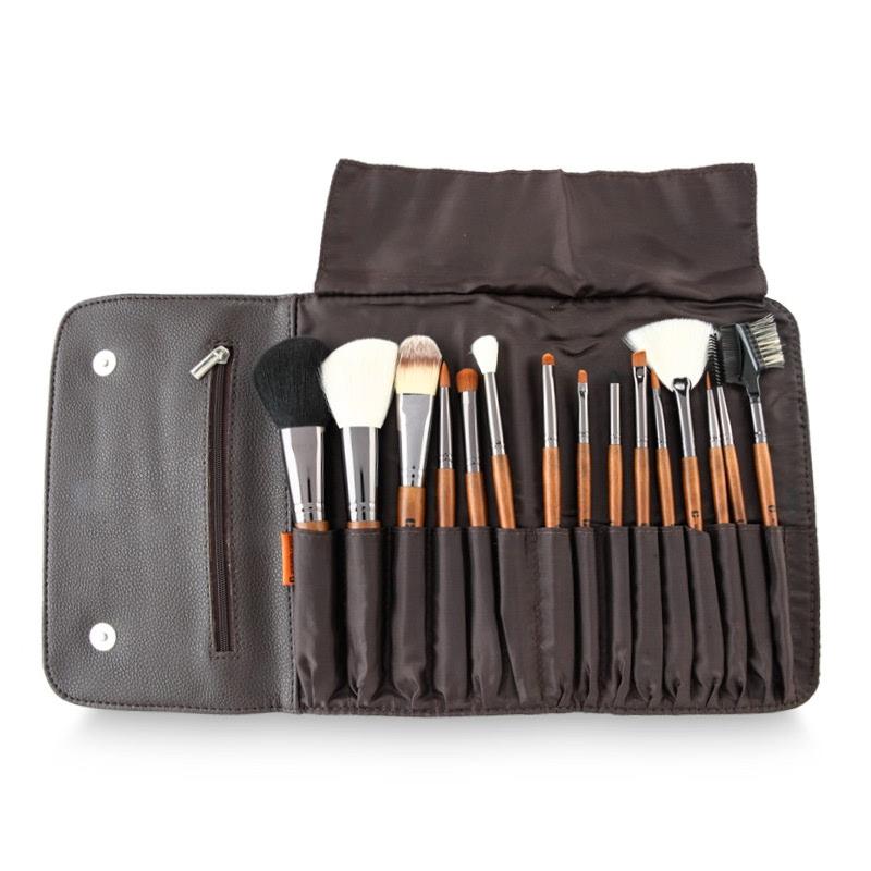 Armando Caruso 15Pcs Brush Set ACB-5015