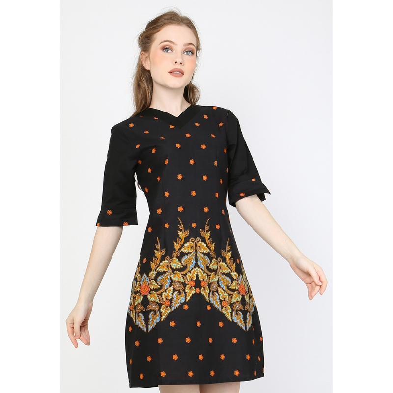 Aksa Batik Claretta Dress Black