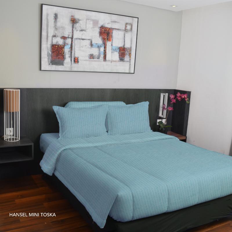 King Rabbit Bed Cover Double 230x230 cm Motif Hansel Mini - Toska