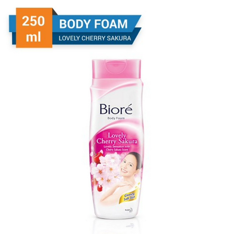 Biore Body Foam Lovely Cherry Sakura Pouch 450 ml