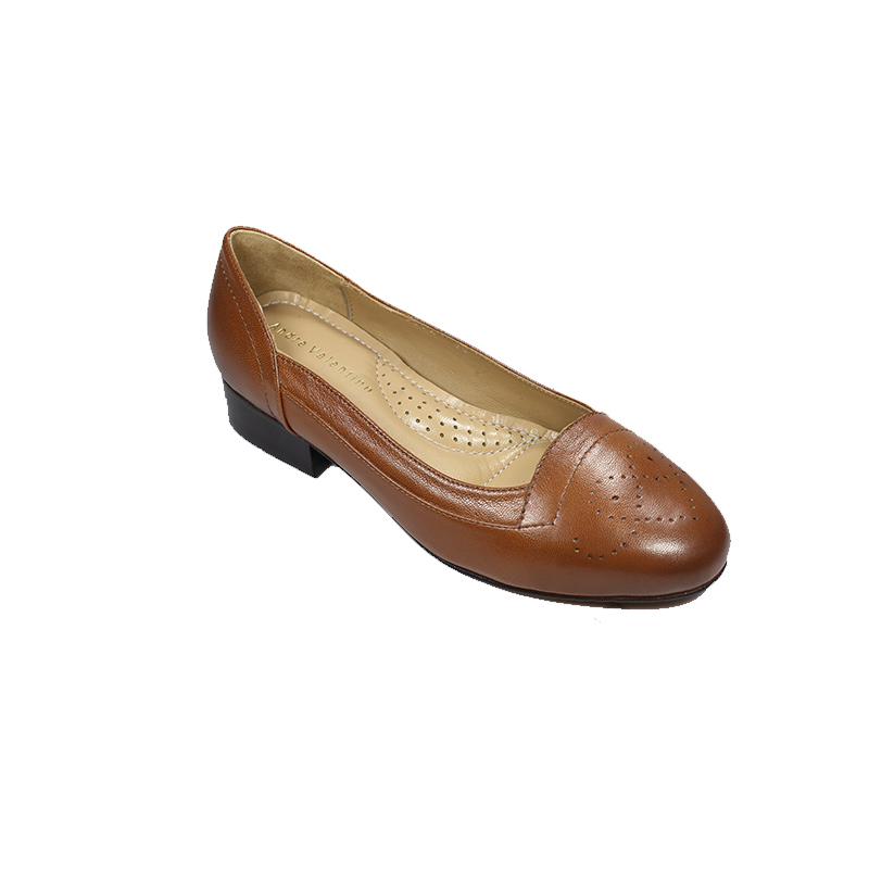 Andre Valentino Pump Shoes Brown