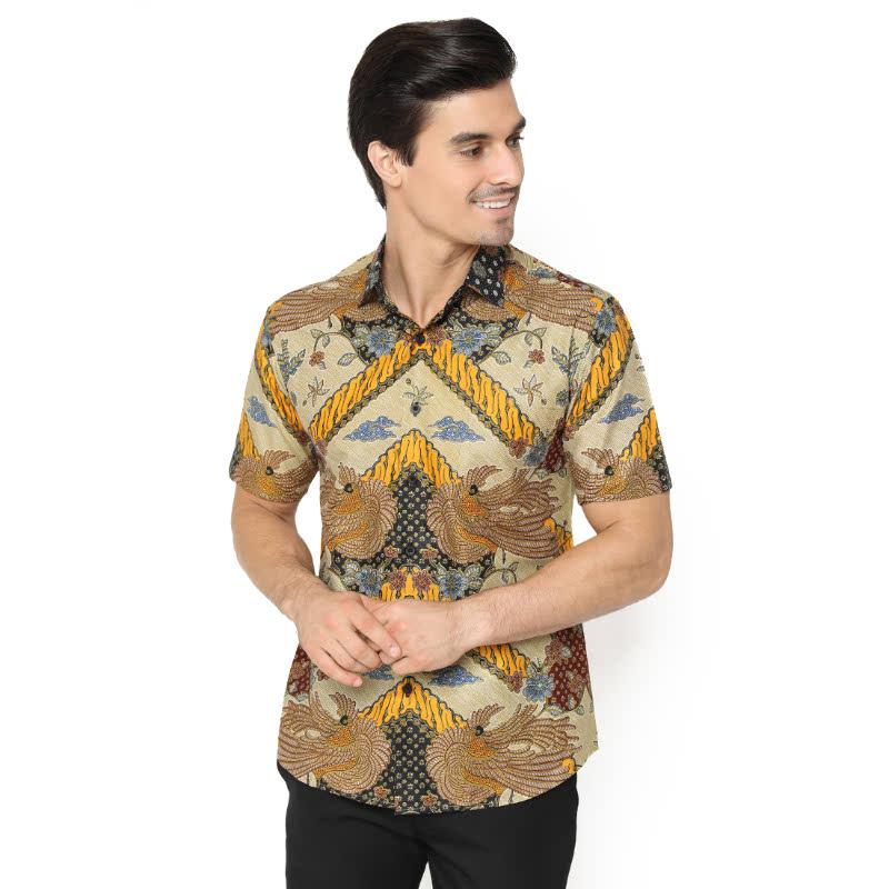 Agrapana Bhamana Slim Fit Kemeja Batik Print Lengan Pendek