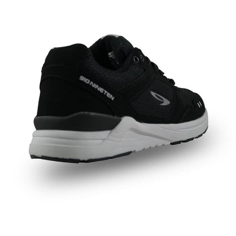 910 Nineten Chiru 1.5 Sepatu Lari Pria - Hitam Putih