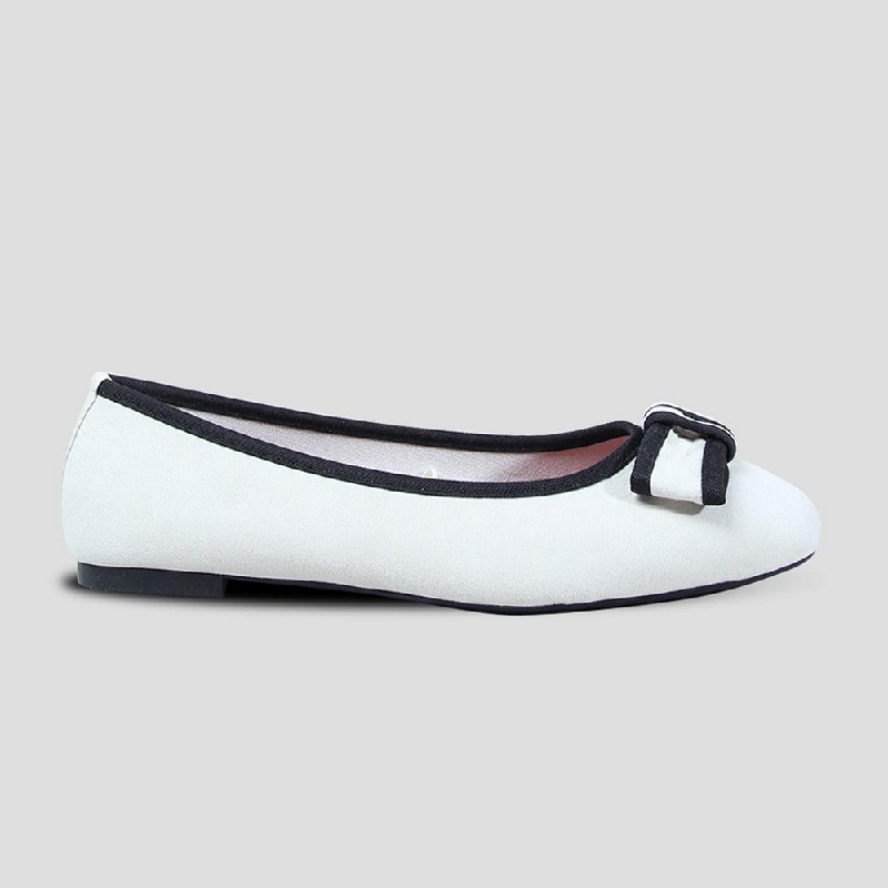 The Little Things She Needs Flat Shoes Audrey Offwhite