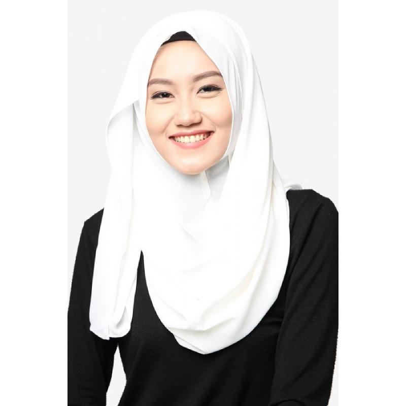 BIA by Zaskia Mecca Kerudung Ceruti Amara Putih Tulang S2
