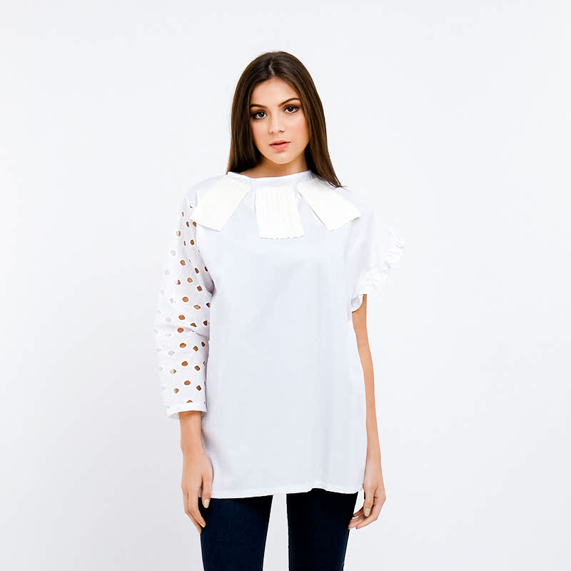 Pinx Collar Void Assymetric Top White