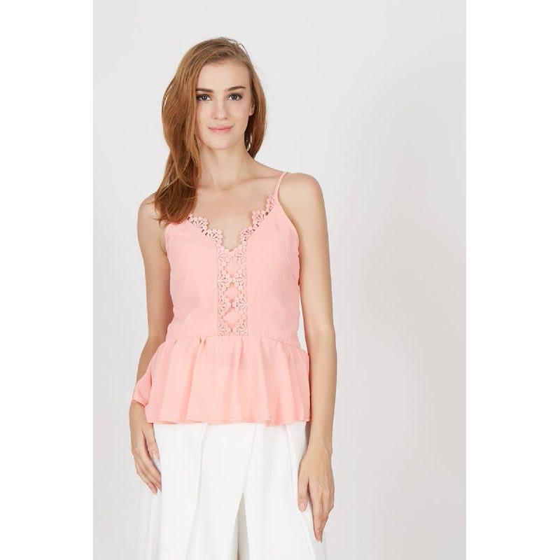 Gwen Joachim Top in Pink