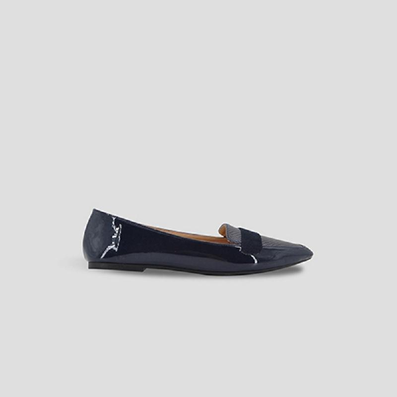 The Little Things She Needs Flat Shoes Bonaza Navy