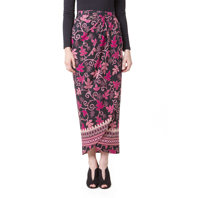 Raden Sirait Skirt Draveri Aleya Black