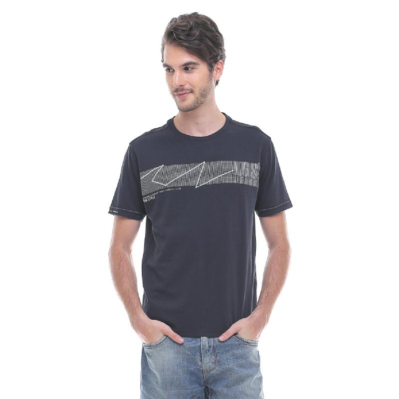 Slim Fit - Kaos Fashion - Motif Printed - Hitam
