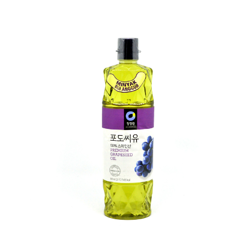 Cheong Jeong Won Daesang Grapeseed Oil 900 Ml