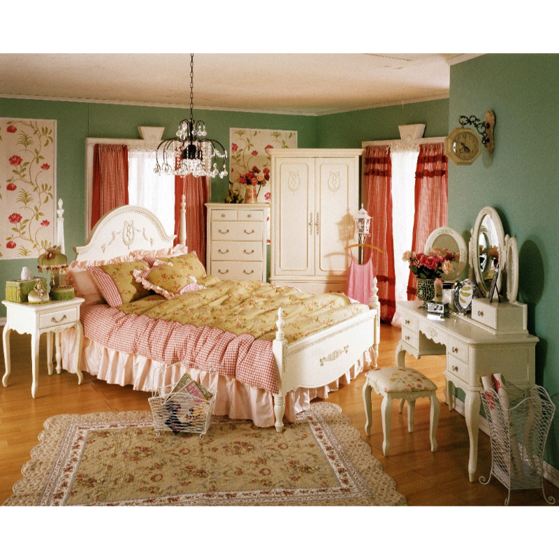 The Olive House  Queen Anne Queen Bed 180