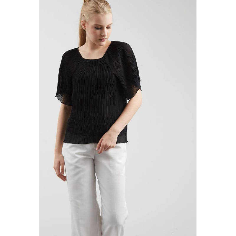 Gwen Hocken Top in Black